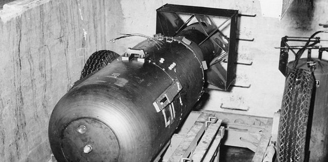 Atombombe_Little_Boy__Unknown__kostenfrei.jpg